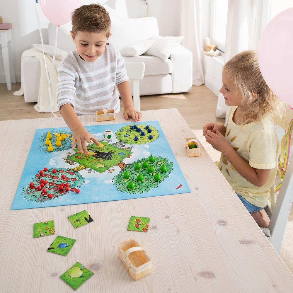 Joc de familie, Orchard – Livada, Haba copii jucandu-se