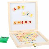 Tablă neagră, cutie cu cifre și litere magnetice