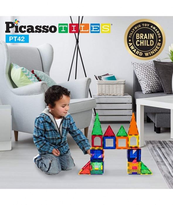 PicassoTiles,Set magnetic de construit de 42 de piese, 6 forme diferite copil jucadu-se