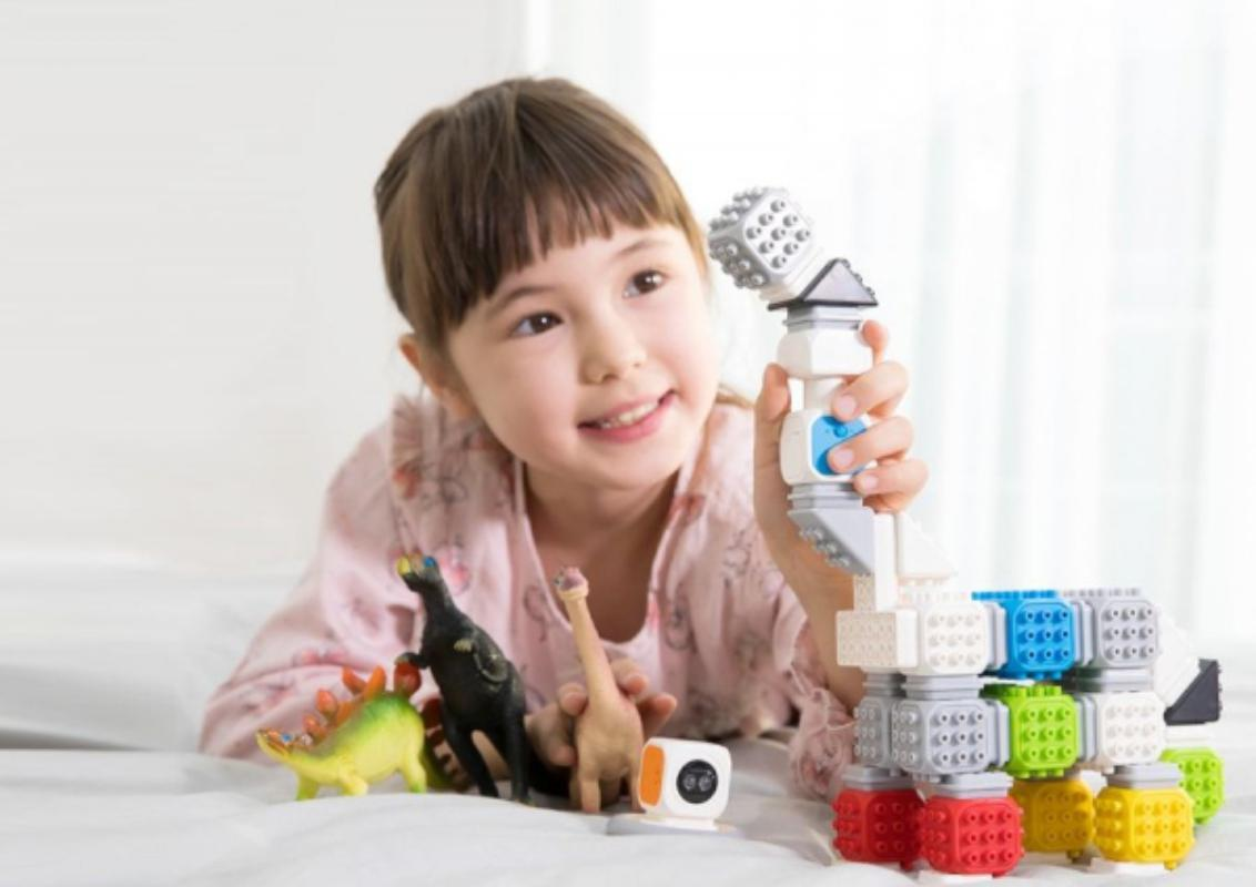 Cubroid Wireless, kit robotic programabil, jucărie STEAM fetita cu dinozaur